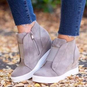 Shoes - ZOOEY MUST HAVE Sneaker - TAUPE